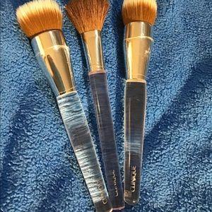 Clinique brushes